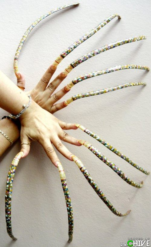 20 People Who Definitely Need To Cut Their Nails - TheThings - photo#25