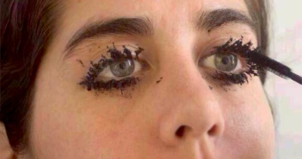 Resultado de imagen de clumpy lashes